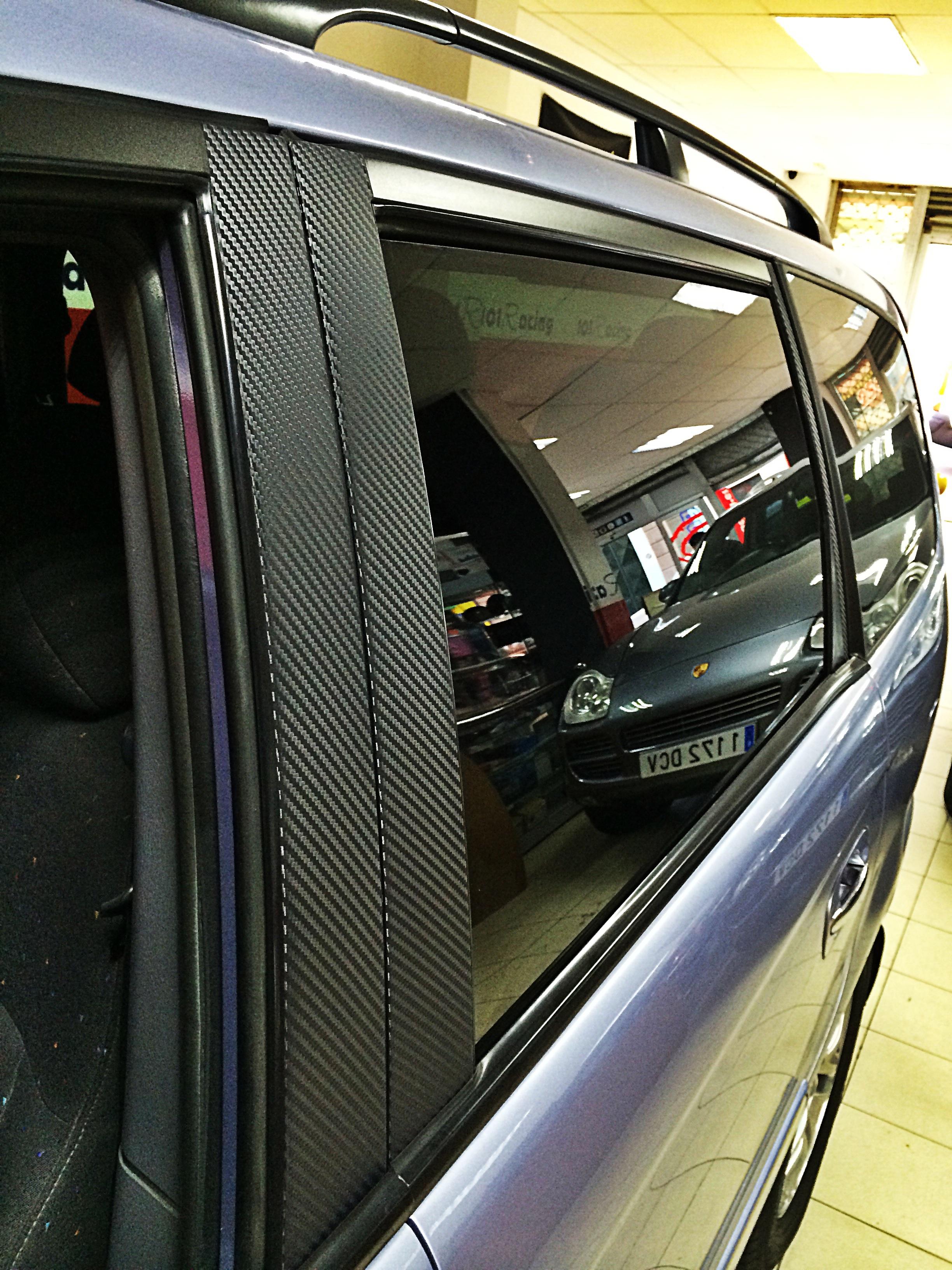 Vinilo carbono para los marcos de las puertas