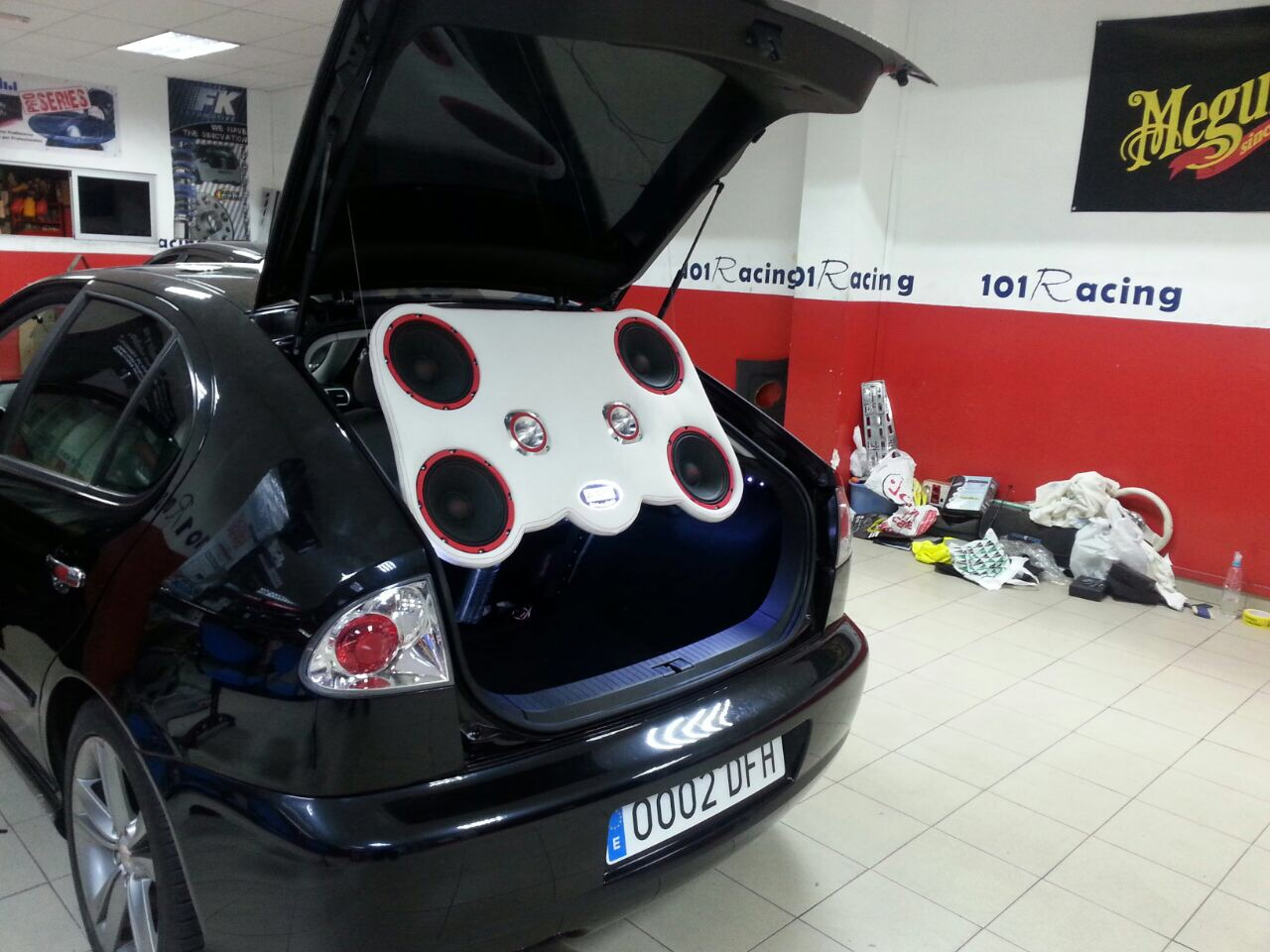 Car audio APS en 101Racing para Seat León FR