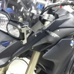 moto bmw en vinilo carbono 3M